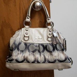 💥 Authentic Coach Madison Sabrina OP Art bag
